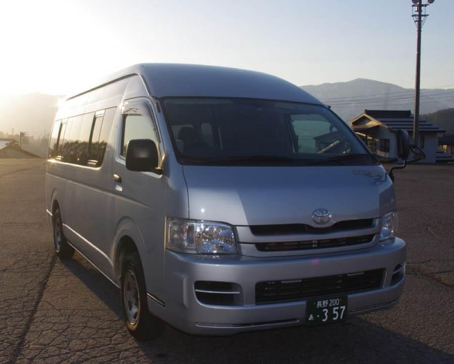 NOZAWA-ONSEN KOTSU INC.:Hiace Commuter